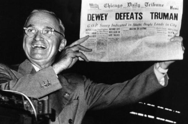 Dewey defeats Truman. Truman holding newspaper