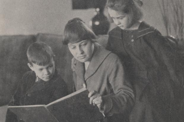 Mary Boyer, First School Teacher, Reading to Students, 1917.