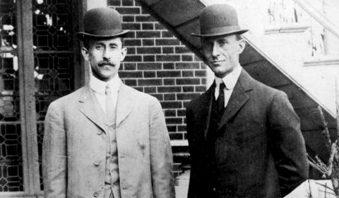 Photograph of Orville (left) and Wilbur (right) Wright in 1908.