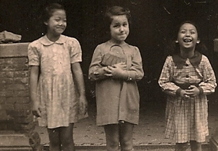 A Jewish girl and her Chinese friends in the Shanghai Ghetto during WWII, from the collection of the Shanghai Jewish Refugees Museum