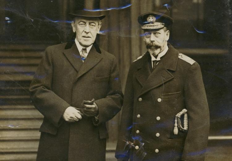 President Wilson and King George V of England, outside of Buckingham Palace. December 1918.