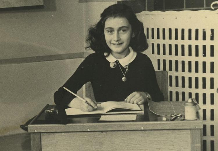 Anne in her final year of primary school, 1940.